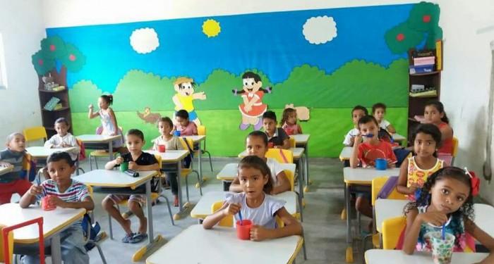 Cinco Creches atendem crianças na rede municipal.