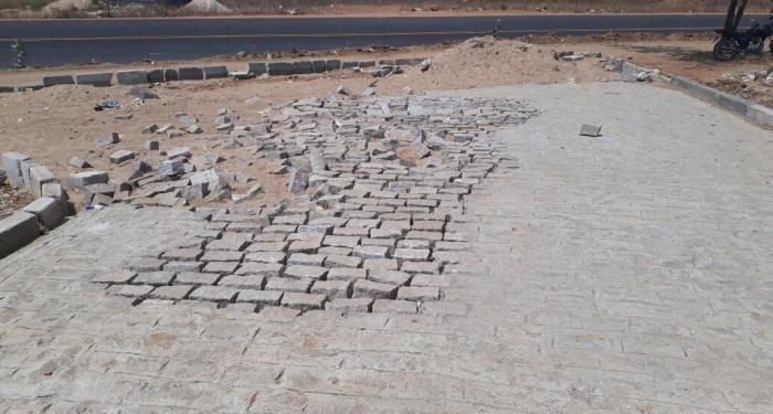 Povoado Carié recebe pavimentação em suas ruas.