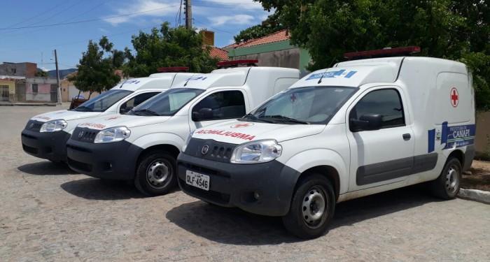 Prefeito Vinícius Lima entrega mais três  Ambulâncias à população.