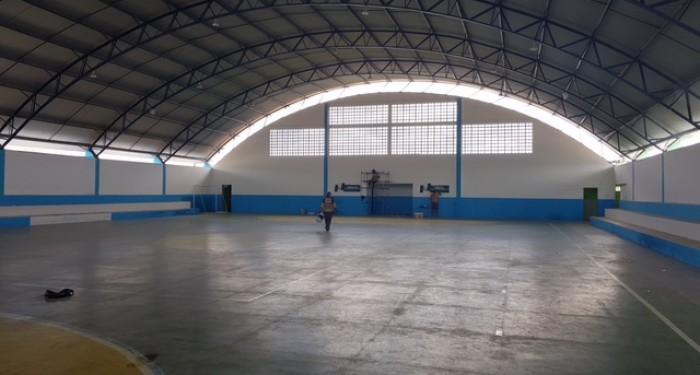 Prefeitura recupera Ginásio de Esportes