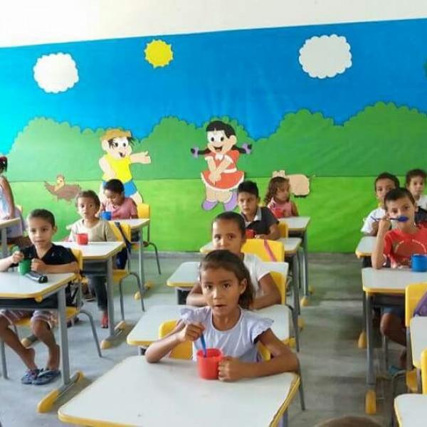Crianças são felizes em Creches Municipais de Canapi